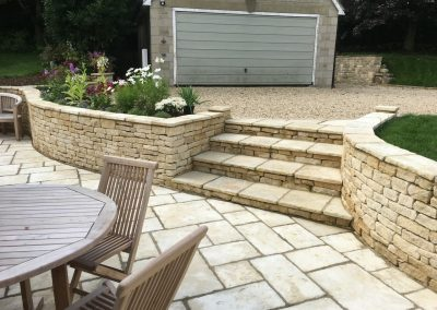 Cotswold Paving landscape job in Cotswold stone