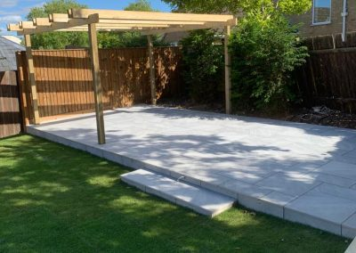 landscaping project in the cotswolds with paving